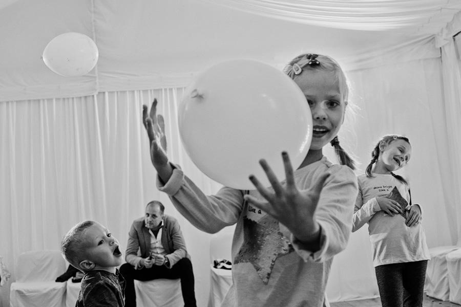 reportaż ślubny kraków, wesele w namiocie, wesele w prywatnej posiadłości