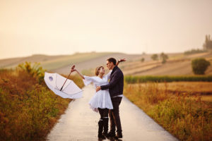 wesele w stylu boho, wesele rustykalne, wesele w prywatnej posiadłości, sesja w dniu wesela