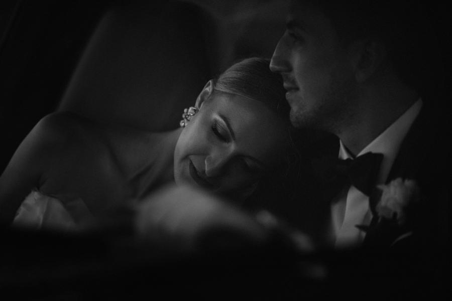 sesja w dniu ślubu, retro samochód do ślubu