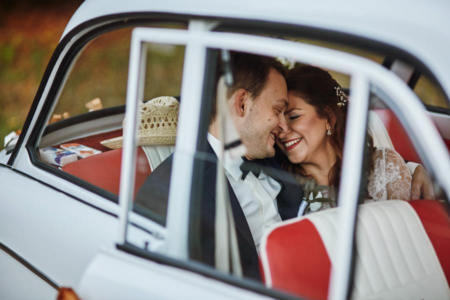 sesja w dniu ślubu, reportaż ślubny kraków, samochód retro do ślubu, syrenka