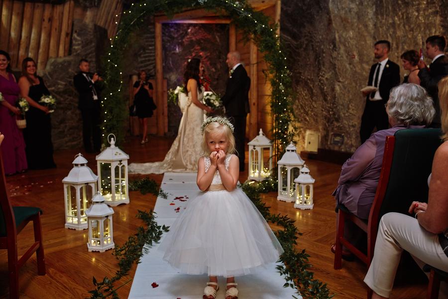 reportaż ślubny kraków, ceremonia ślubna w kopalni soli w wieliczce, ślub humanistyczny