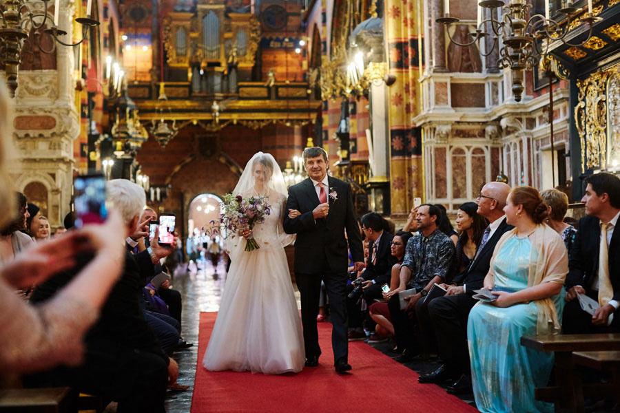 ślub w kościele mariackim