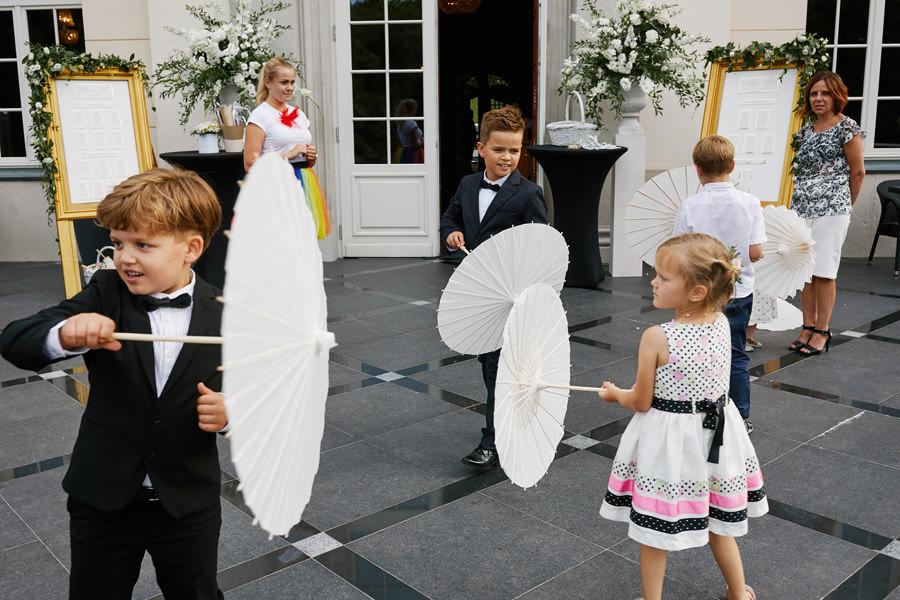 dzieci na weselu pałac goetz