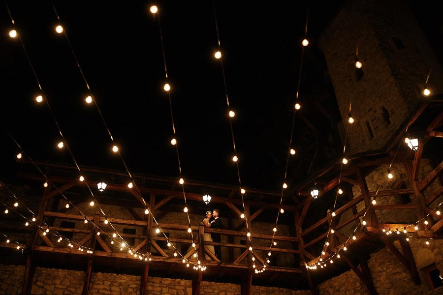 iluminacje dekoracje światłem na przyjęciu
