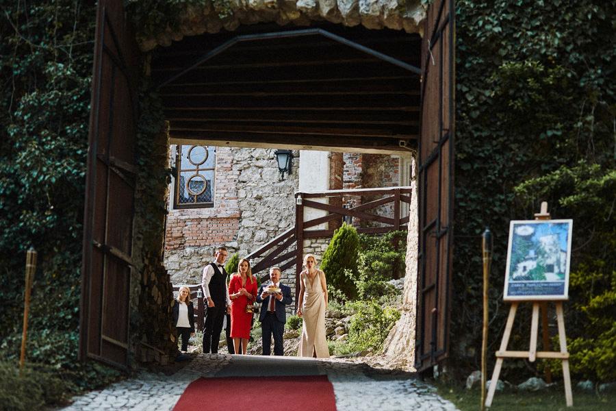 zamek korzkiew wesele